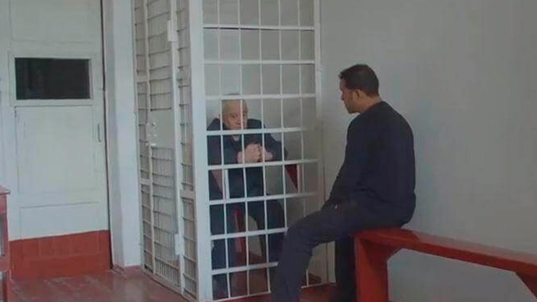 Interview-with-Tkach-behind-Cage-in-Ukraine-Prison