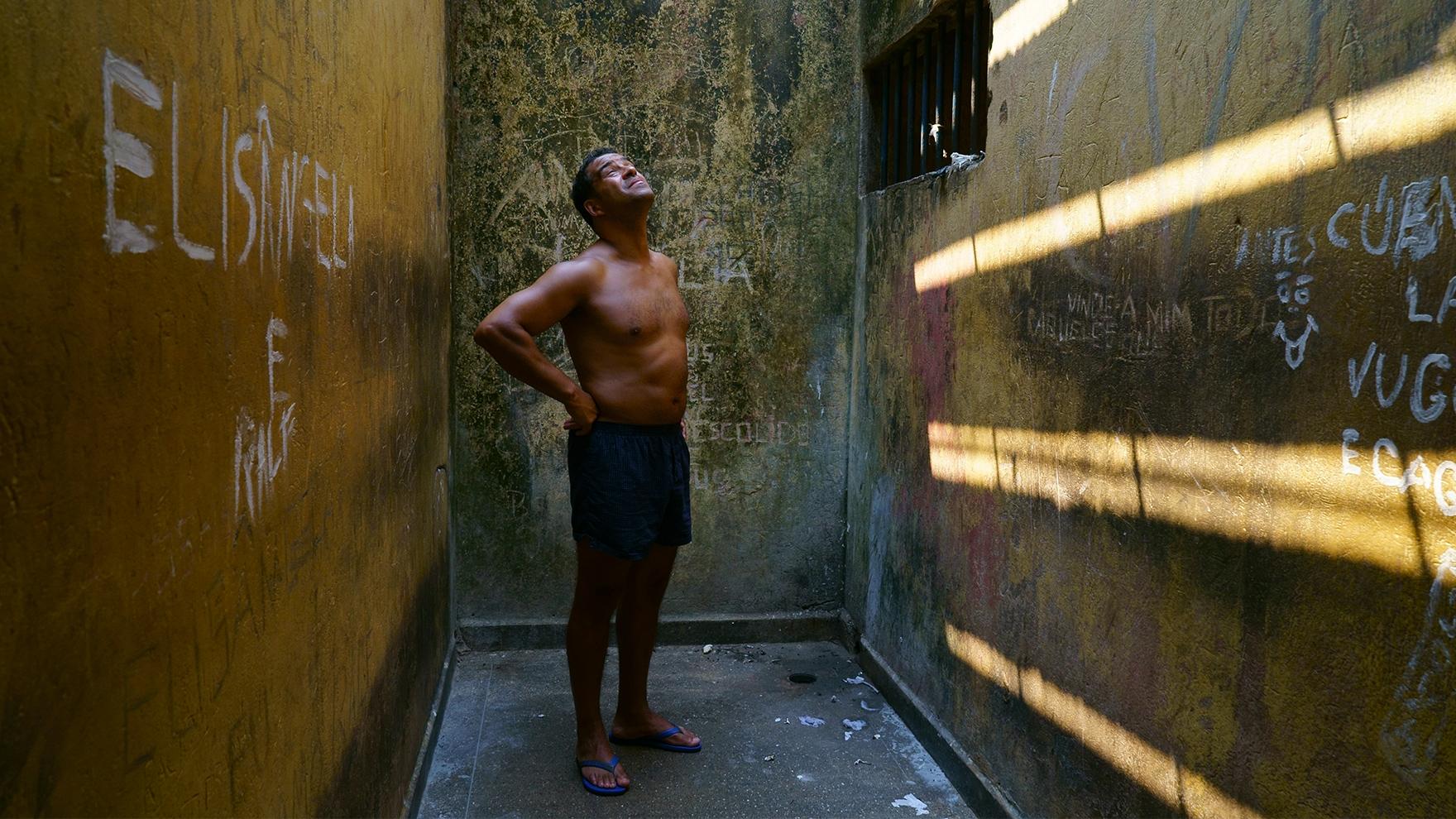 RR-in-Brazil-Prison-_The-Gladiator__