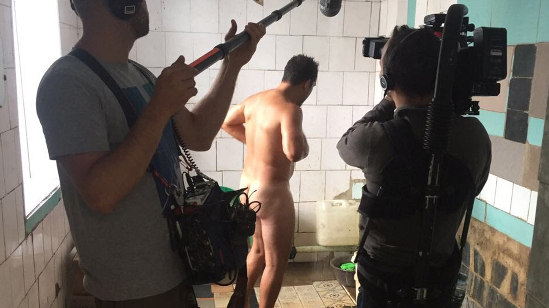 RR-takes-cold-shower-in-Ukraine-Prison