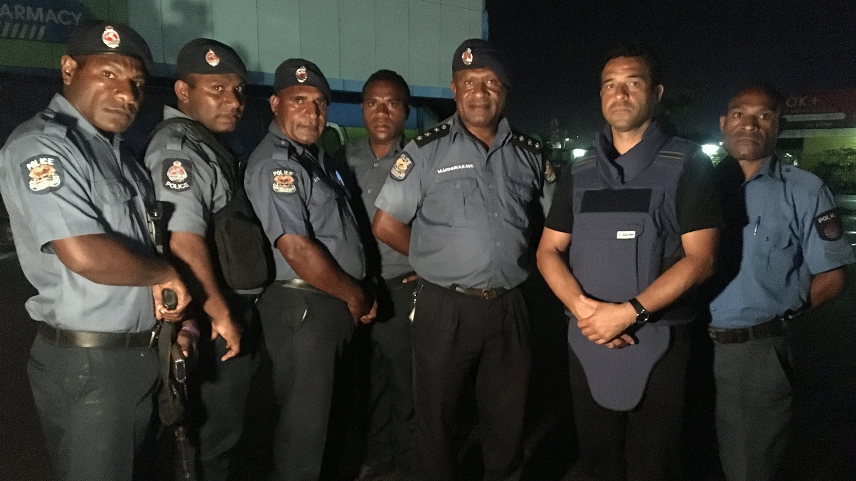 RR-with-PNG-police-unit
